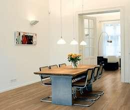 Wohnen: moderne Esszimmer von Gerber GmbH