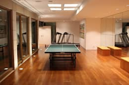 Architekten Graf + Graf : modern tarz Fitness Odası