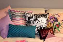 decorazioni Kissen & Plaids: moderne Wohnzimmer von decorazioni