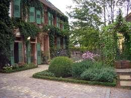 Der Romantische Bauernhausgarten: landhausstil Garten von Planungsbüro STEFAN LAPORT