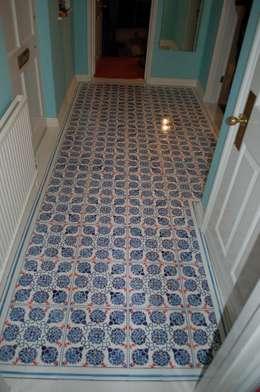 Fayence- Fliesenfußboden:  Wände & Boden von Wandmalerei & Oberflächenveredelungen