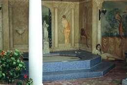 Englische Landvilla: klassischer Pool von Wandmalerei & Oberflächenveredelungen