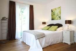 Eigentumswohnung: moderne Schlafzimmer von Home Staging Cornelia Reichel