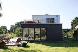 獨棟房 by Hellmers P2   Architektur & Projekte