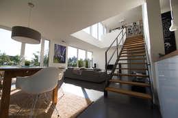 modern Living room by Hellmers P2   Architektur & Projekte