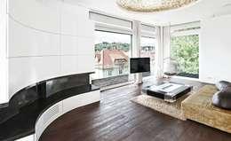 Wohnhaus W2:  Wohnzimmer von [lu:p] Architektur GmbH