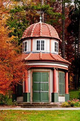 hochwertige Malerarbeiten: rustikale Häuser von Gebr.Lechte HWP GmbH Malerfachbetrieb