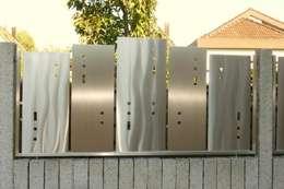 Sichtschutz: moderner Garten von Edelstahl Atelier Crouse - Stainless Steel Atelier