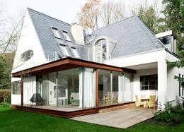Ein Landhaus in Berlin-Wannsee:  Häuser von ZappeArchitekten