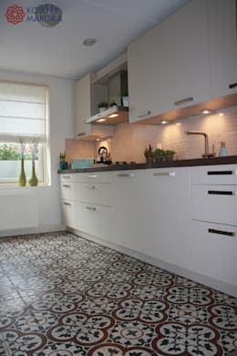 Cocinas de estilo mediterráneo por Kolory Maroka