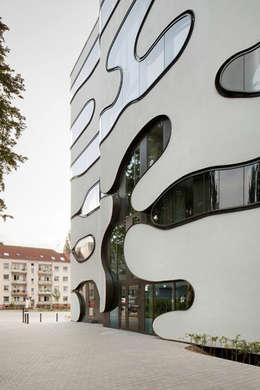 Edificios de oficinas de estilo  por J.MAYER.H