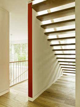 Haus Jacobs:  Flur & Diele von Innenarchitektur Berlin