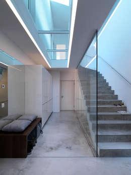 LEICHT Küchen AGが手掛けた廊下 & 玄関