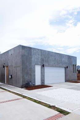Kalifornien  USA: moderne Garage & Schuppen von LEICHT Küchen AG