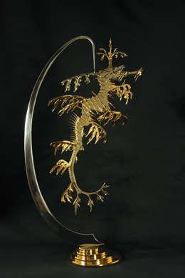 Leafy Sea Dragon (Skulptur) Kunstschmied Mark Prouse : tropischer Flur, Diele & Treppenhaus von Kunstschmied Mark Prouse Elements