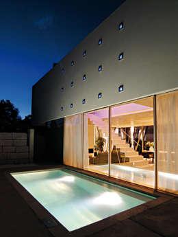 modern Pool by LEICHT Küchen AG