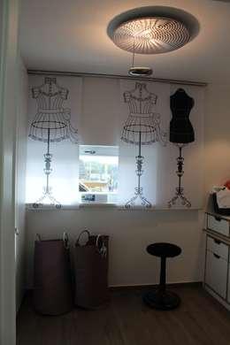 Fotovorhang für Ihren Hobbyraum: moderne Fenster & Tür von fotokasten GmbH
