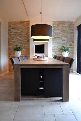 moderne Eetkamer door RON Stappenbelt, Interiordesign