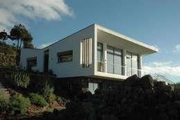 ARCHITEKTUR Haus Dr. Mertens:  Häuser von KAZANSKI . KEILHACKER  URBAN DESIGN . ARCHITEKTUR