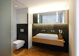 Baños de estilo moderno por WEINKATH GmbH