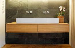 Waschtisch : moderne Badezimmer von Plan W GmbH | Werkstatt für Räume