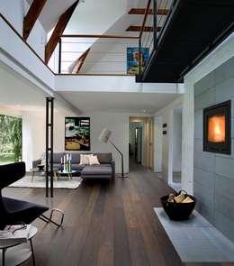 Walls & flooring by LIGNUM Schreinerei GmbH