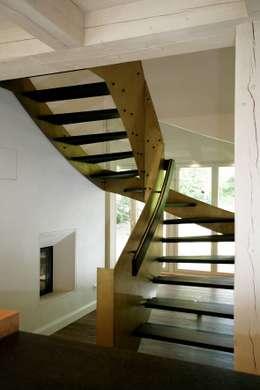 Koridor dan lorong by Architektur- und Innenarchitekturbüro Bernd Lietzke