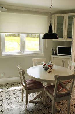 scandinavian Kitchen by  Diseñadora de Interiores, Decoradora y Home Stager