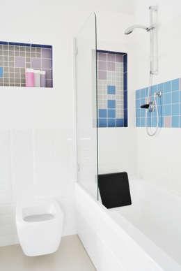 Bagno: Bagno in stile in stile Moderno di CAFElab studio