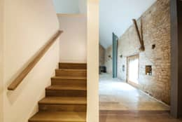 Court Farm Barn: rustic Corridor, hallway & stairs by Designscape Architects Ltd