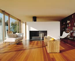 Hochbuch: moderne Wohnzimmer von k-m architektur