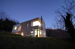 Picture House: Case in stile in stile Scandinavo di Fabio Barilari Architetti