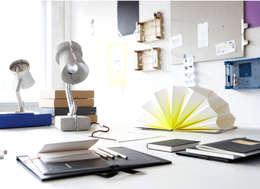 Complessi per uffici in stile  di Studio Uwe Gaertner Interior Design & Photography