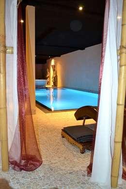 aziatisch Zwembad door RON Stappenbelt, Interiordesign