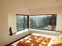 Спальни в . Автор – Architekturbüro HOFFMANN