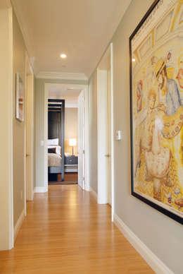 Couloir et hall d'entrée de style  par Lewis & Co