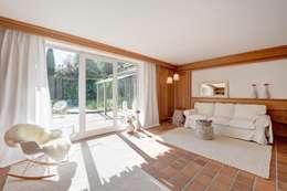 Wohnzimmer - nachher: landhausstil Wohnzimmer von Münchner home staging Agentur GESCHKA