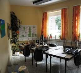Gruppenraum für Sprachunterricht - Vorher:  Kongresscenter von INTERIORDESIGN - Jedes Geschäft braucht ein Gesicht. Jede Wohnung eine Seele