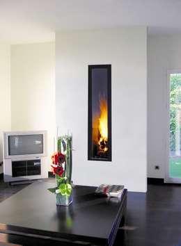 Livings de estilo moderno por Diligence International Ltd