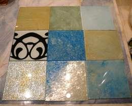 Glasmalerei mit Gold und Silber: mediterraner Flur, Diele & Treppenhaus von Illusionen mit Farbe