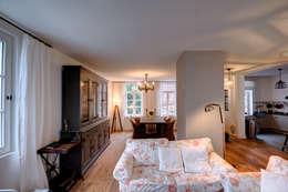 Hofhaus 1890, Wohnen: landhausstil Wohnzimmer von Lichters Living