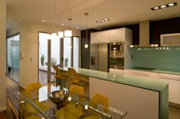 modern Kitchen by AZ Diseño