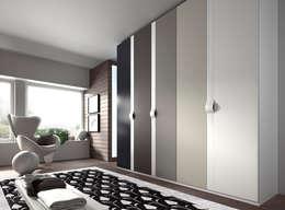 Muebles Flores Torreblancaが手掛けた寝室