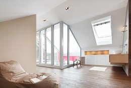 Camera da letto in stile in stile Classico di WSM ARCHITEKTEN