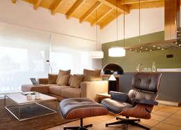 Fesselnd Eames Lounge Chair. Rustikale Wohnzimmer Von Meritxell Ribé   The Room  Studio