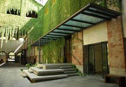 Jardines de estilo rural por Comoglio Architetti