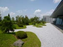 茨城県つくば市 屋上庭園: 株式会社 髙橋造園土木  Takahashi Landscape Construction.Co.,Ltdが手掛けた庭です。