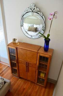 Sunnynook Decor, Los Angeles CA. 2012: Recámaras de estilo moderno por Erika Winters® Design