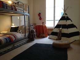Kids bedroom: Chambre d'enfant de style de style Classique par Lichelle Silvestry Interiors