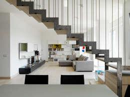 moderne Woonkamer door enzoferrara architetti